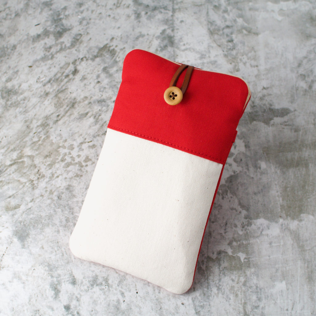 帆布と本革のスマホケース(スマホポーチ)/赤と生成り