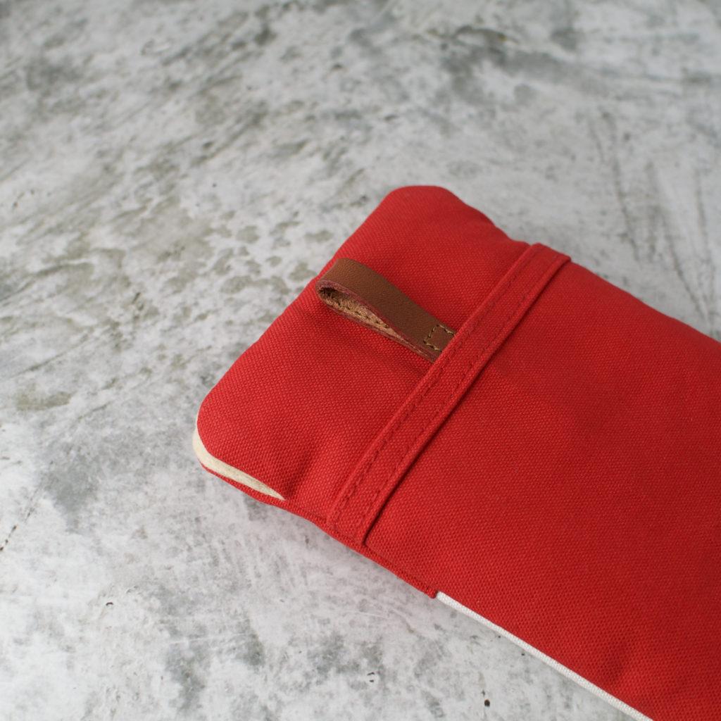 帆布と本革のスマホケース(スマホポーチ)赤と生成り