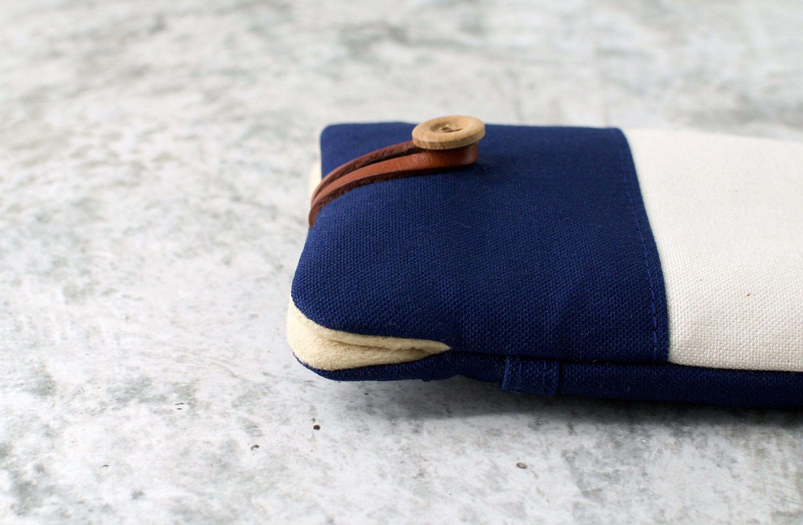 帆布と本革のスマートフォンケース(スマホポーチ)/ネイビーと生成り